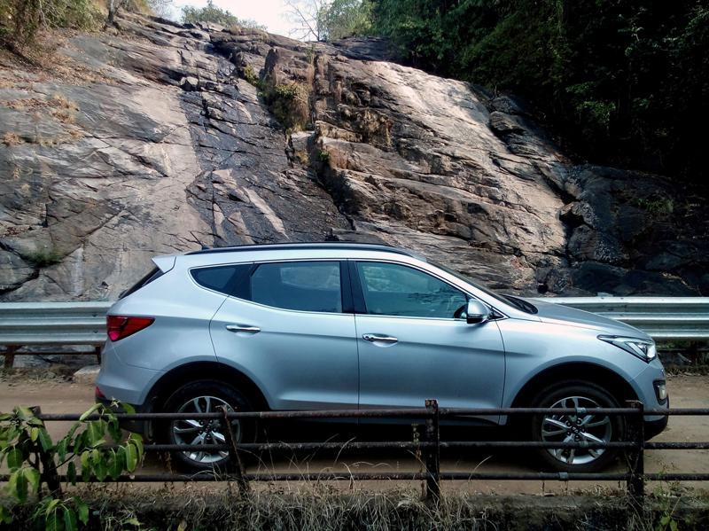 Hyundai Santa Fe Images 1