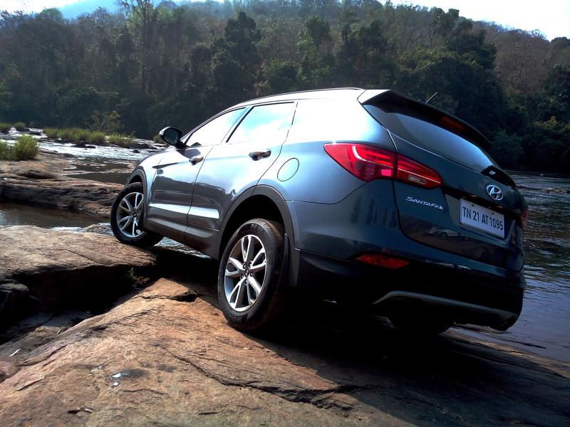 Hyundai Santa Fe Images 3