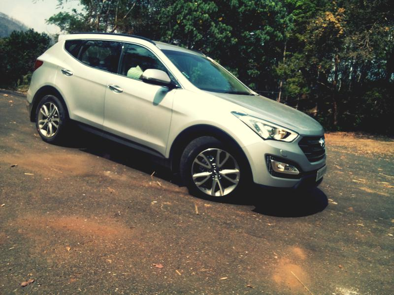 Hyundai Santa Fe Images 5