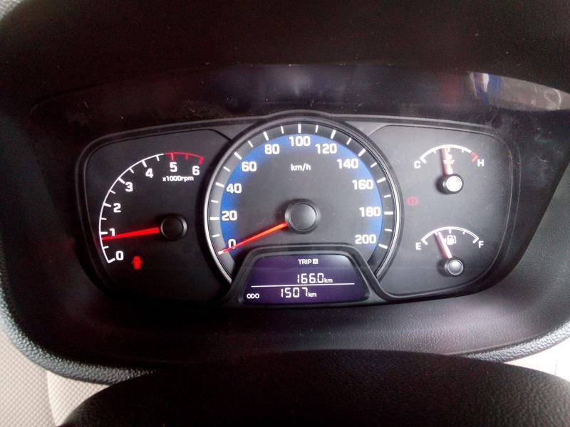 Hyundai Xcent Images 34