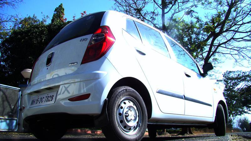 Hyundai i10 rear quarter profile