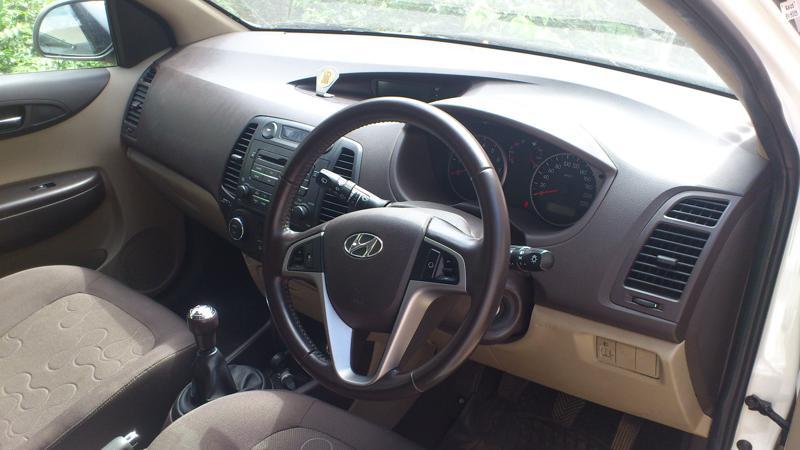 Hyundai i20 Pic 1