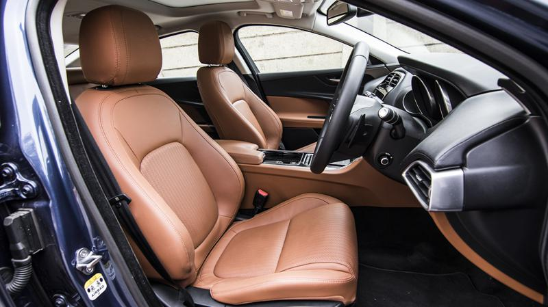 Jagaur XE JLR First Drive Review CarTrade Interior Photos Images Pics India 20160301 01