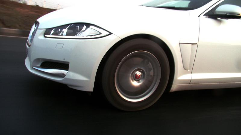 Jaguar XF Pictures 15