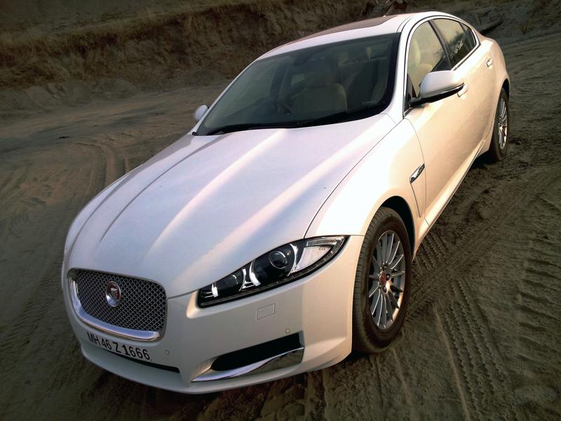 Jaguar XF Pictures 17