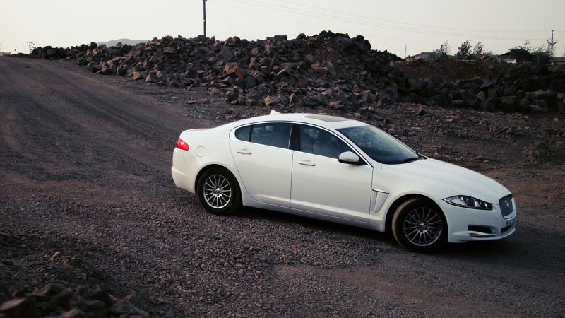 Jaguar XF Pictures 23