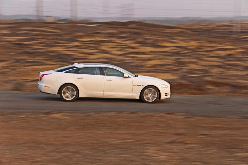 Jaguar XJ L Images 11