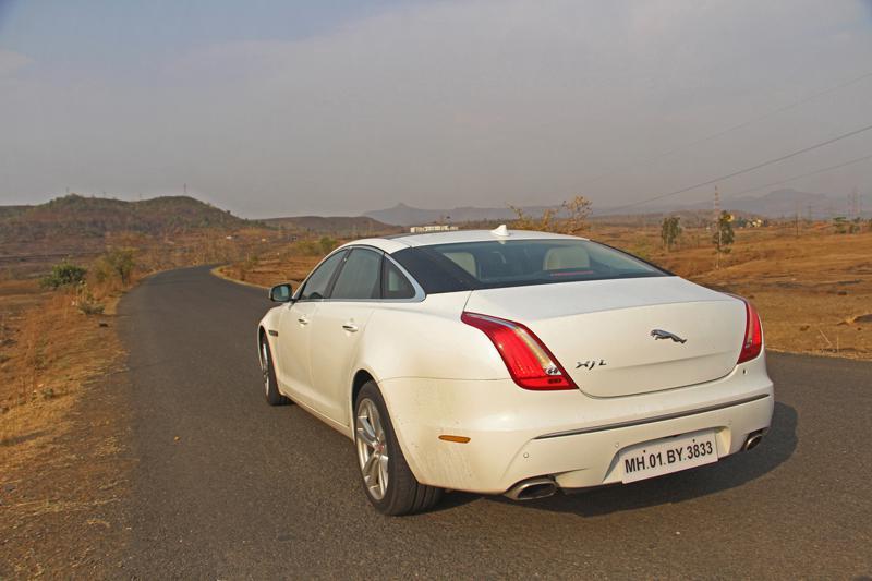 Jaguar XJ L Images 2