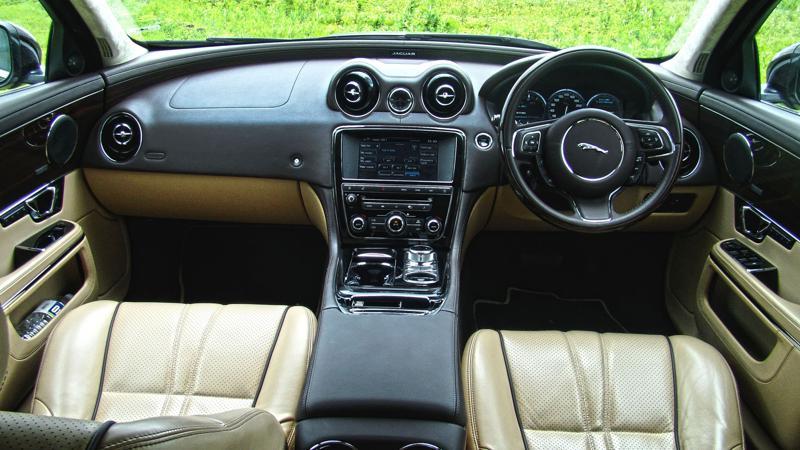 Jaguar XJL Images 22