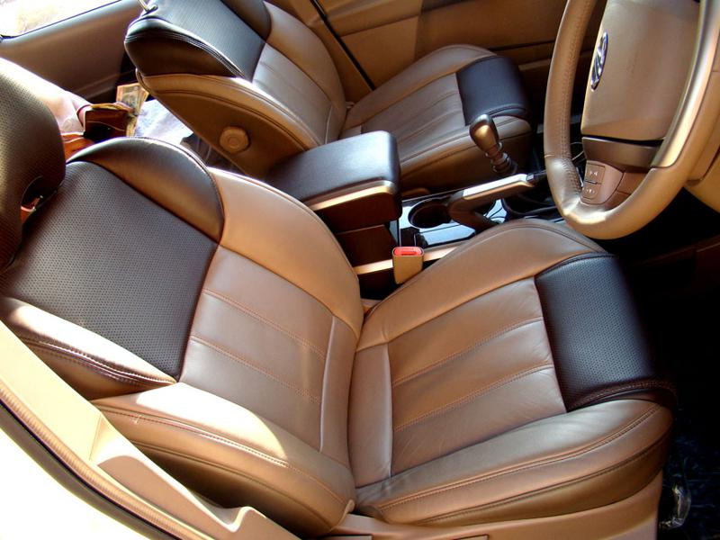 Mahindra XUV 500 Seats 2