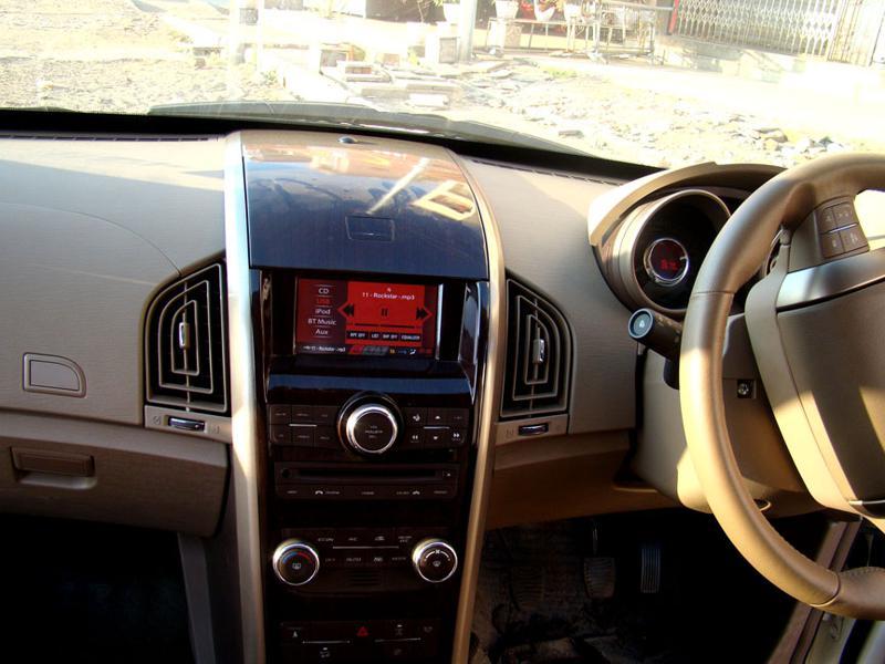Mahindra XUV 500 System Controls