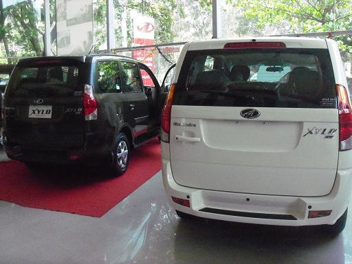 Mahindra Xylo Rear view Side