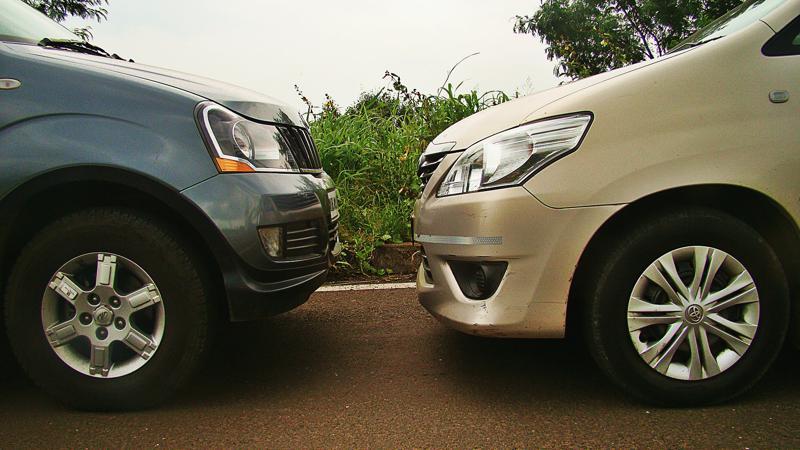 Mahidnra Xylo Vs Toyota Innova Pictures 20