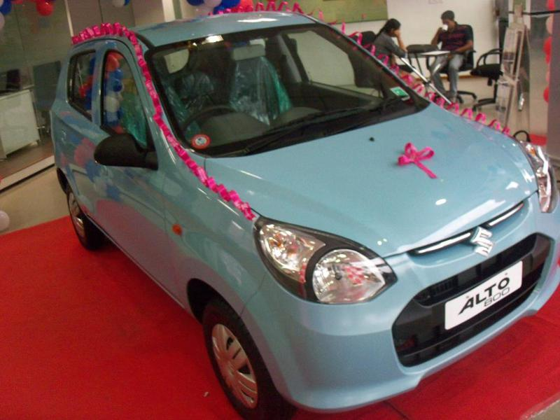Maruti Suzuki Alto 800 Review - CarTrade