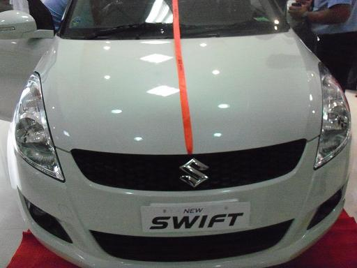 New Maruti Suzuki Swift 2011 - First Impressions - CarTrade