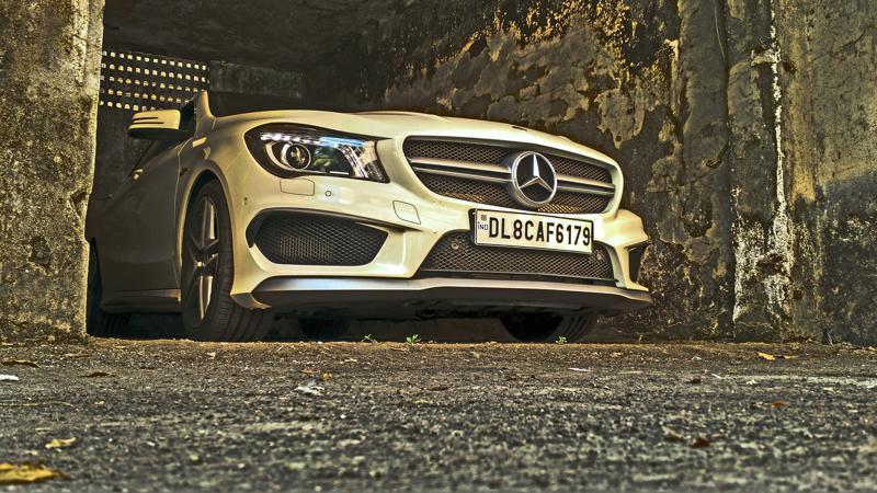 Mercedes Benz CLA45 Images 31