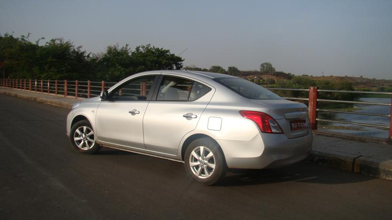 Nissan Sunny Picture 57