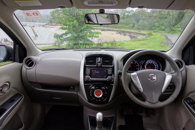 2014 Nissan Sunny Review 11