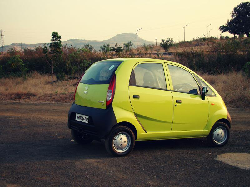 Tata Nano Dec Review Exterior (31)