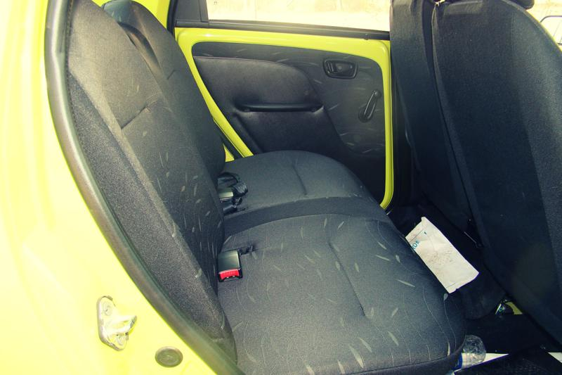 Tata Nano Dec Review Interior (12)