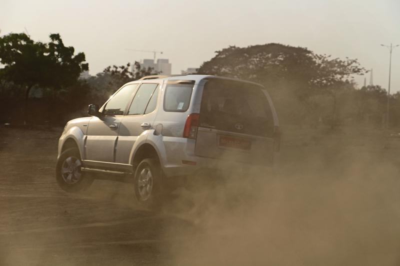 Tata Safari Storme Facelift Images 17