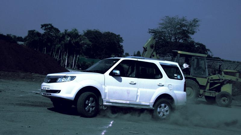 Tata Safari Storme high engine