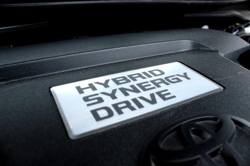 Toyota Camry Hybrid 29