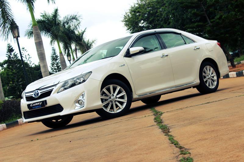 Toyota Camry Hybrid 64