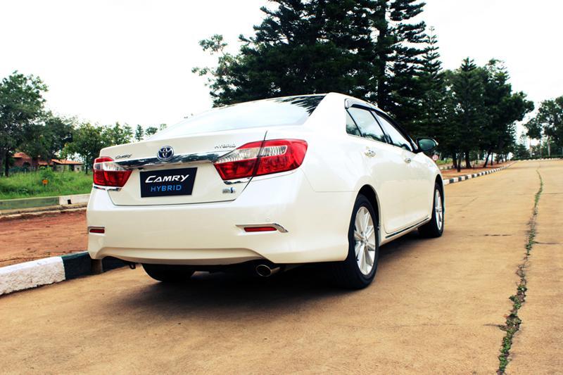 Toyota Camry Hybrid 67