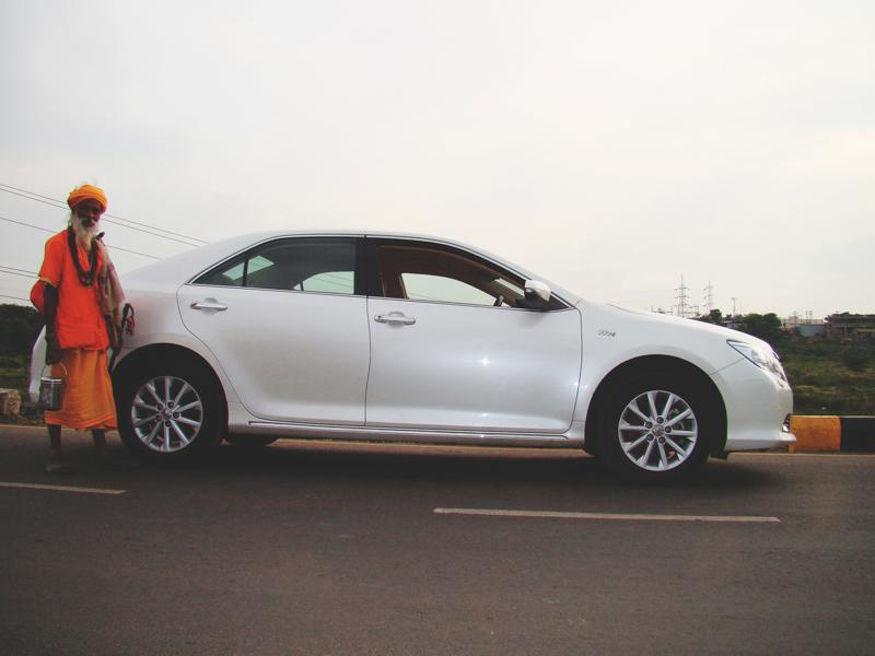 Toyota Camry shoulderline