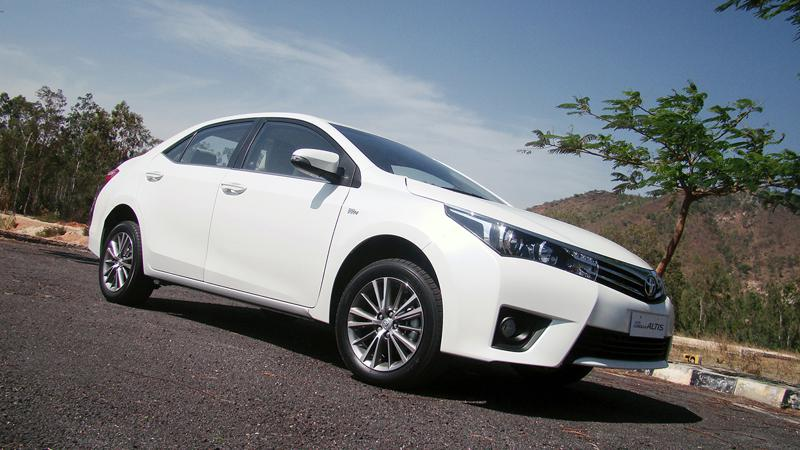 Toyota Corolla Altis Images 11