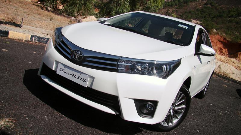 Toyota Corolla Altis Images 19