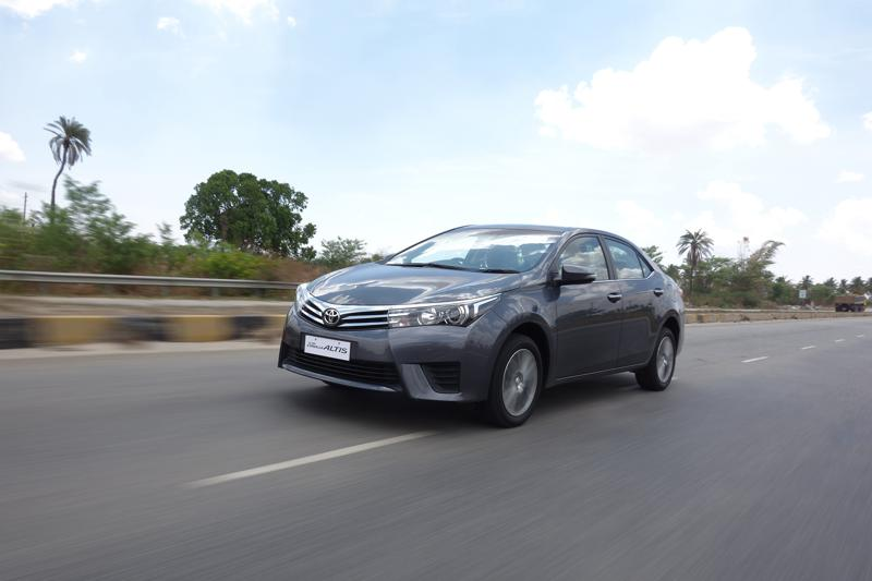 Toyota Corolla Altis Images 23