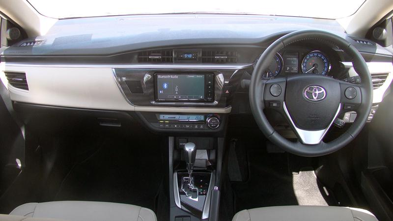 Toyota Corolla Altis Pictures 12