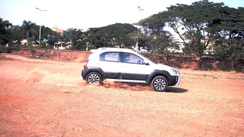 Toyota Etios Cross Images 8