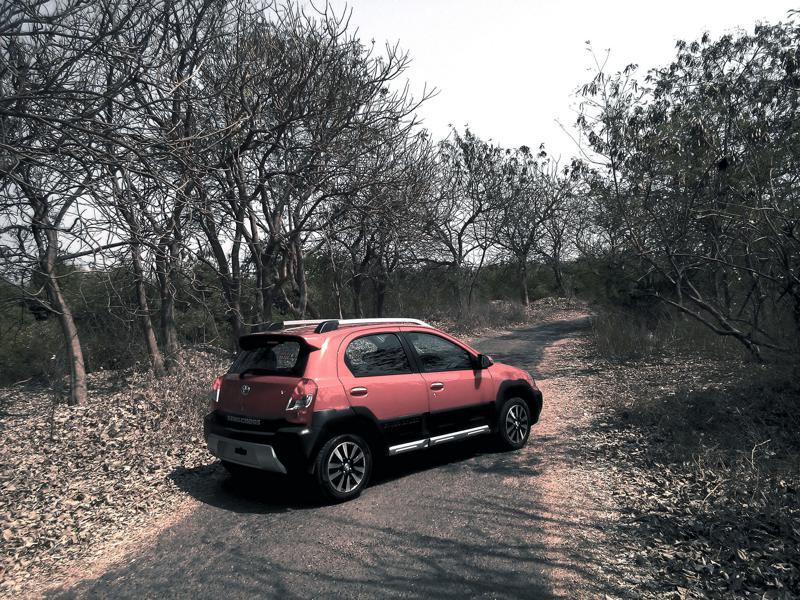 Toyota Etios Cross Pictures 16
