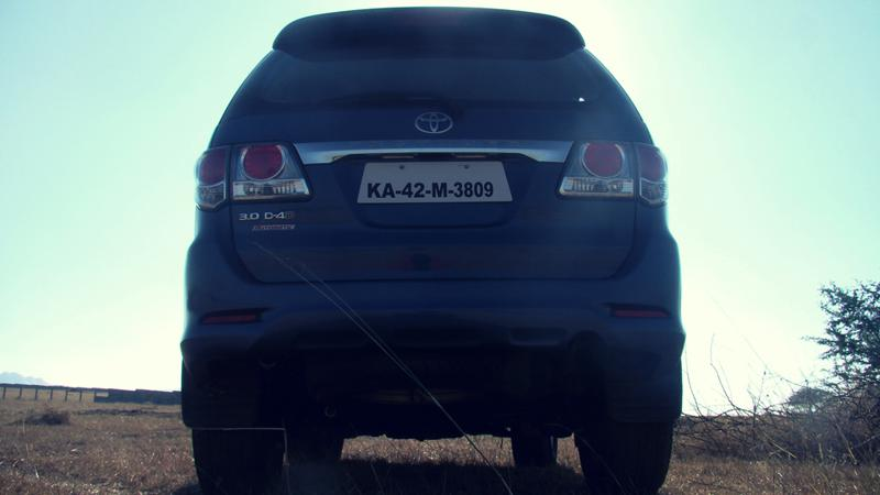Toyota Fortuner Rear profile