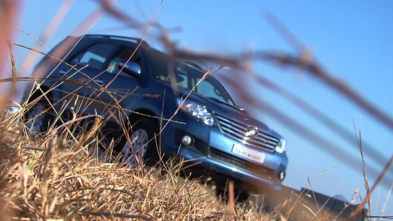 Toyota Fortuner bumper line