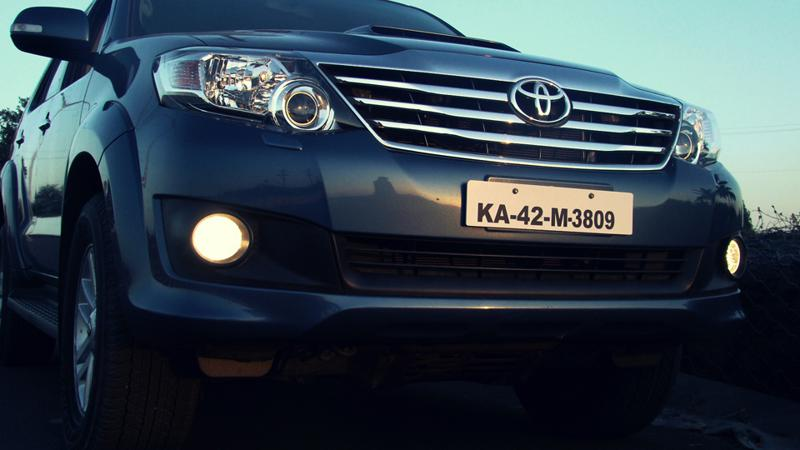 Toyota Fortuner front