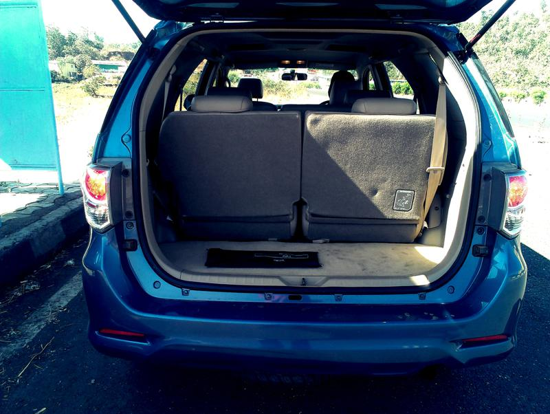 Toyota Fortuner luggage space