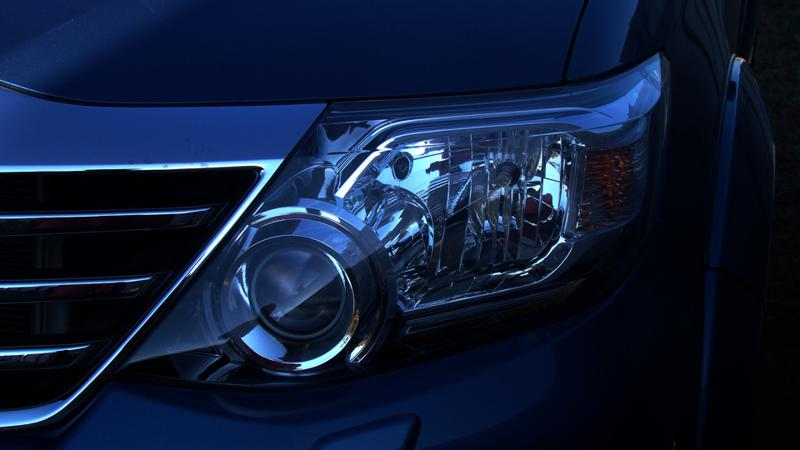 Toyota Fortuner projector lights