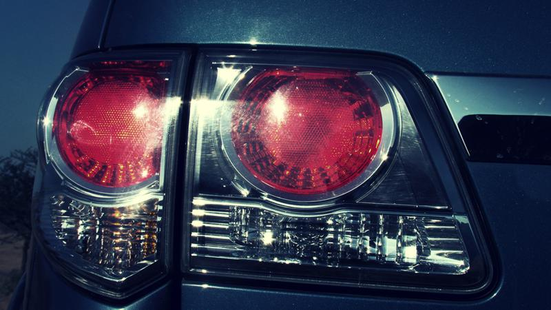Toyota Fortuner tail lights image