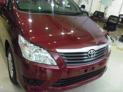 Toyota Innova Picture