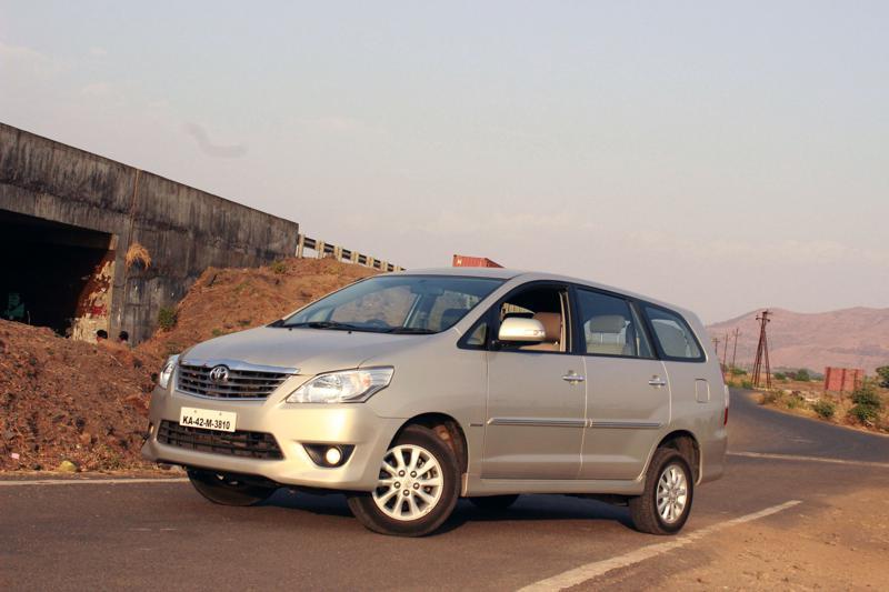 Toyota Innova profile 1