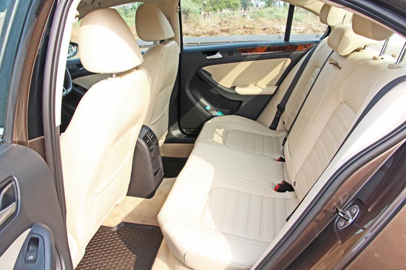 Volkswagen Jetta Images 16