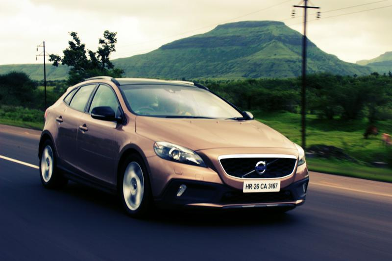 Volvo V40 Cross Country Image 18