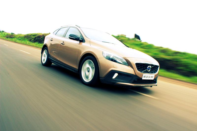 Volvo V40 Cross Country Image 20