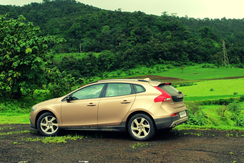 Volvo V40 Cross Country Image 32