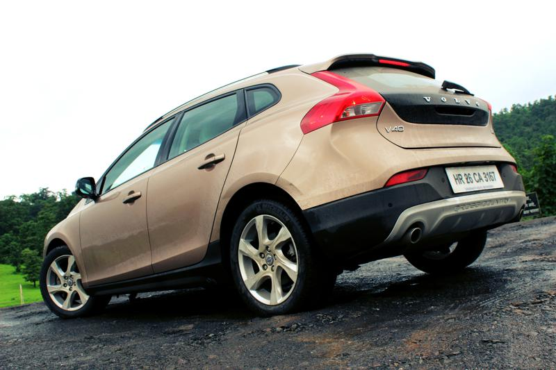 Volvo V40 Cross Country Image 5