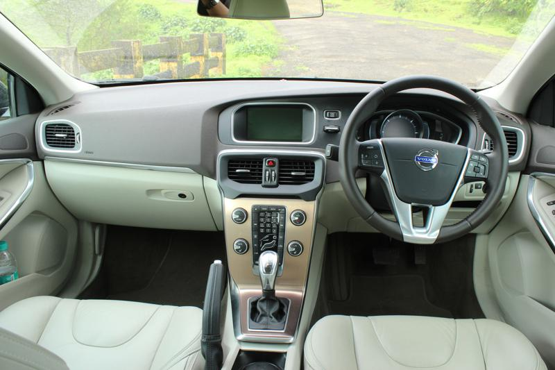 Volvo V40 Cross Country Image 7